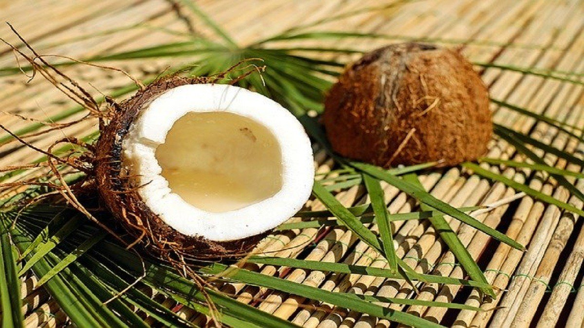 coconut cracking without tools