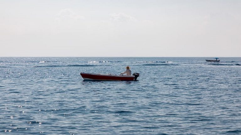 man survives for 438 days in Sea